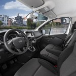 2015-Opel-Vivaro-salonas
